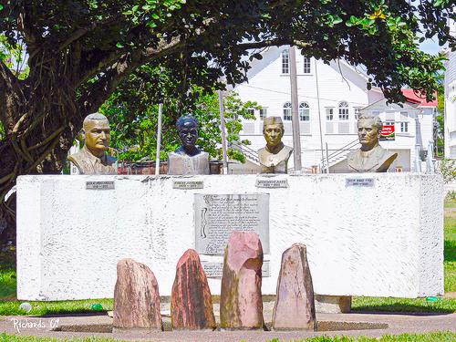 non aligned monument
