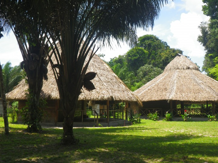 Rewa Village Eco-Lodge